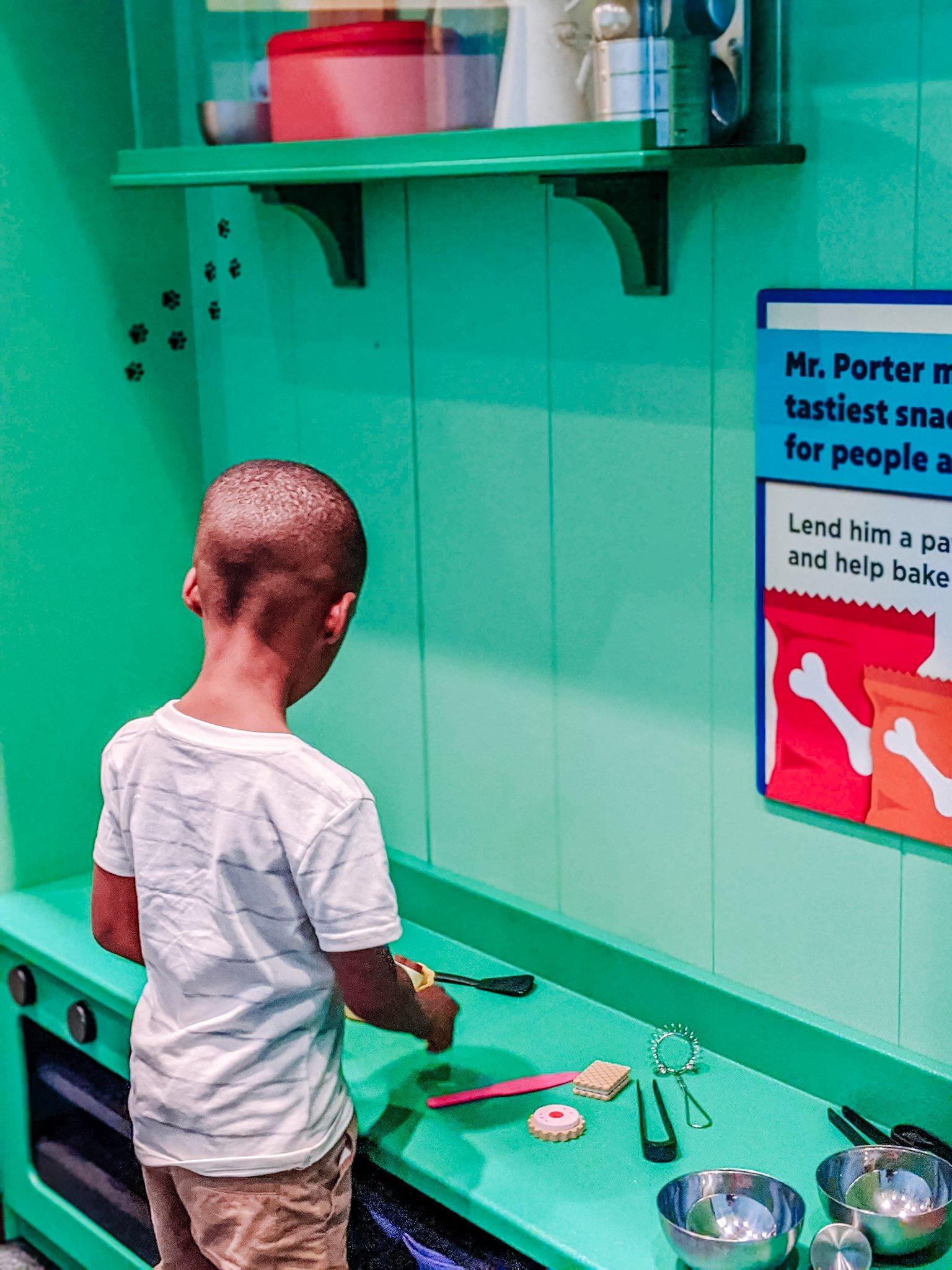 preschooler playing at the Glazer Children's Museum