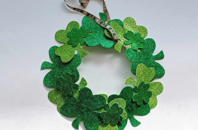 easy DIY shamrock wreath
