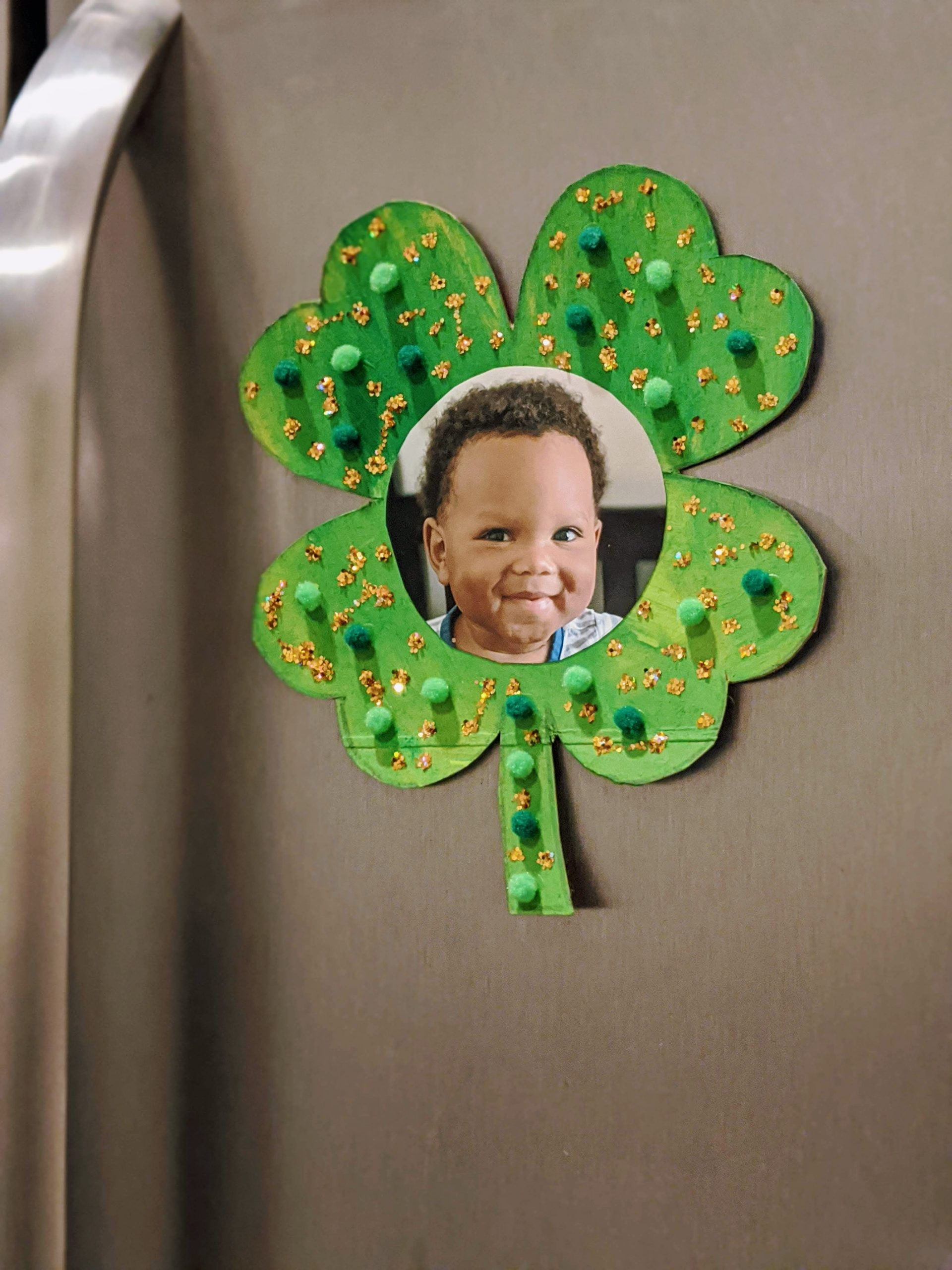 St. Patrick's Day crafts clover photo magnet