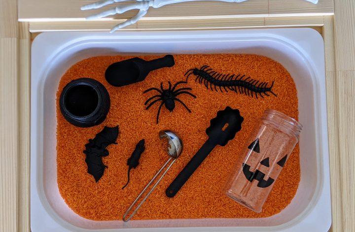 Spooky Halloween sensory bin for kids