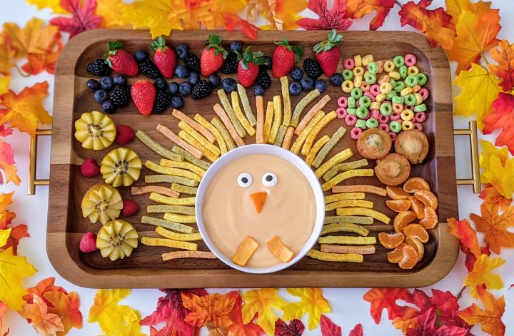 adorable turkey snack board for kids